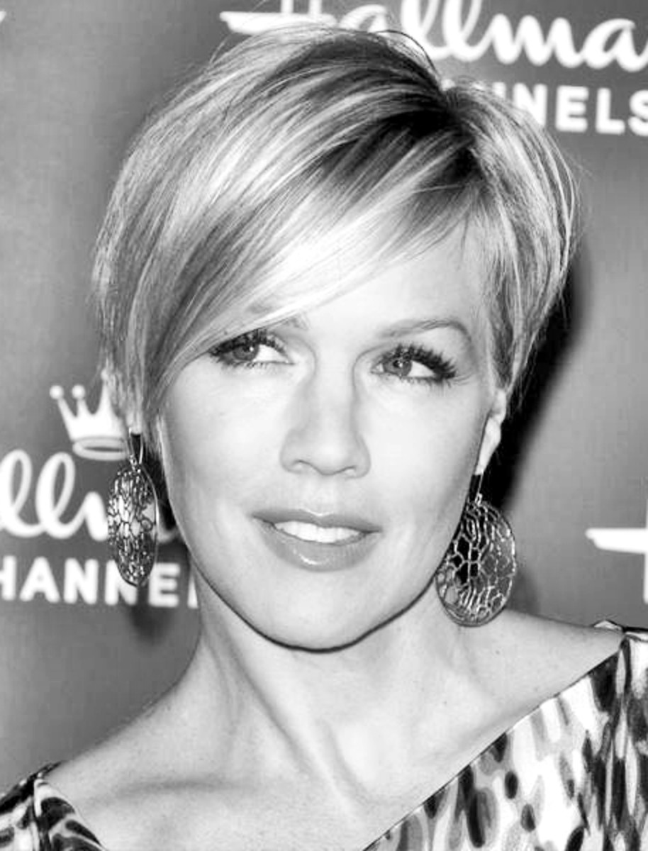 Jennie Garth, 41 - 2013 Short Hairstyles for Women - Hair Cuts Styles Trends
