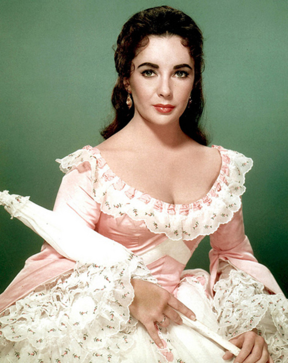 Elizabeth Taylor as Susanna Drake ( Raintree County)