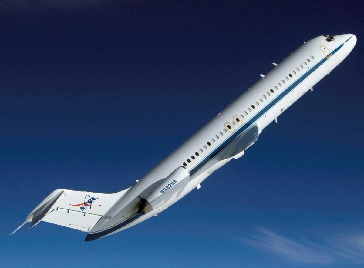 DOUGLAS AIRCRAFT DC-9