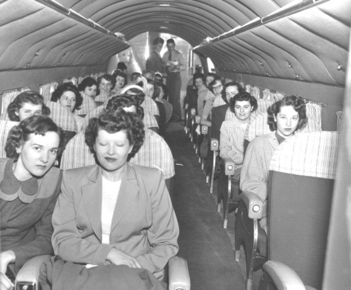 DC-3 AIRLINER INTERIOR