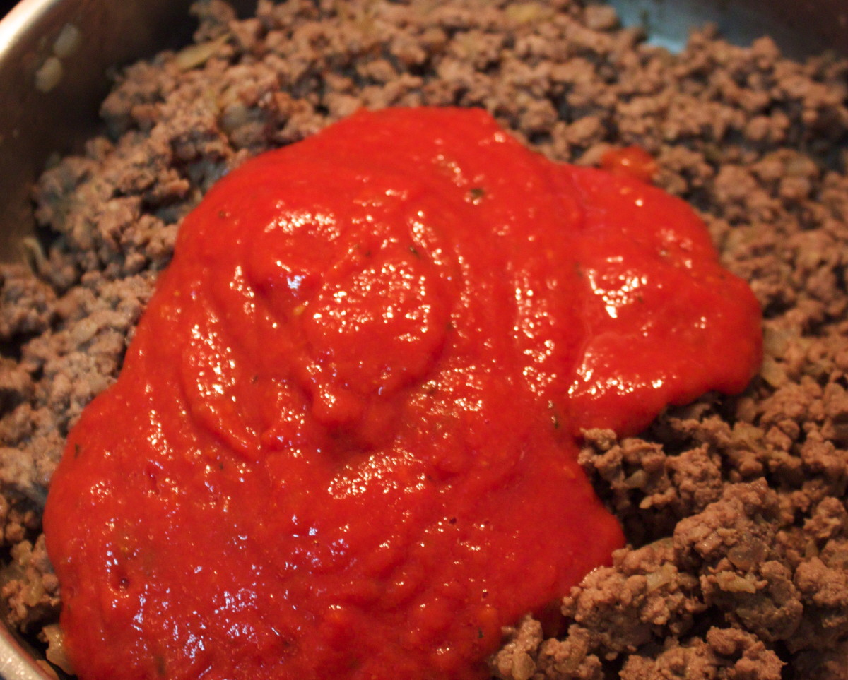 Tomato Sauce added to Mince