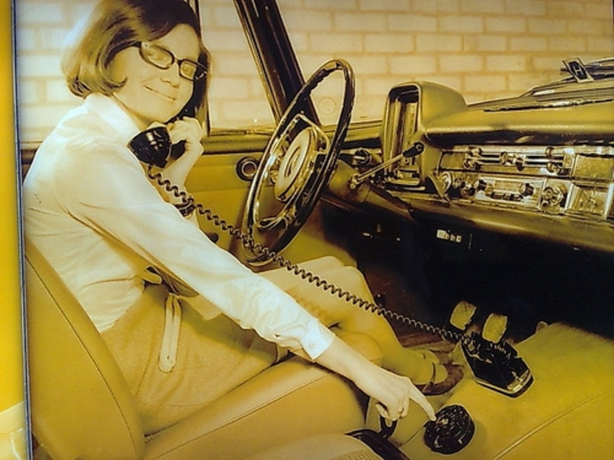 Groovy car phone! image from flickr by Random0