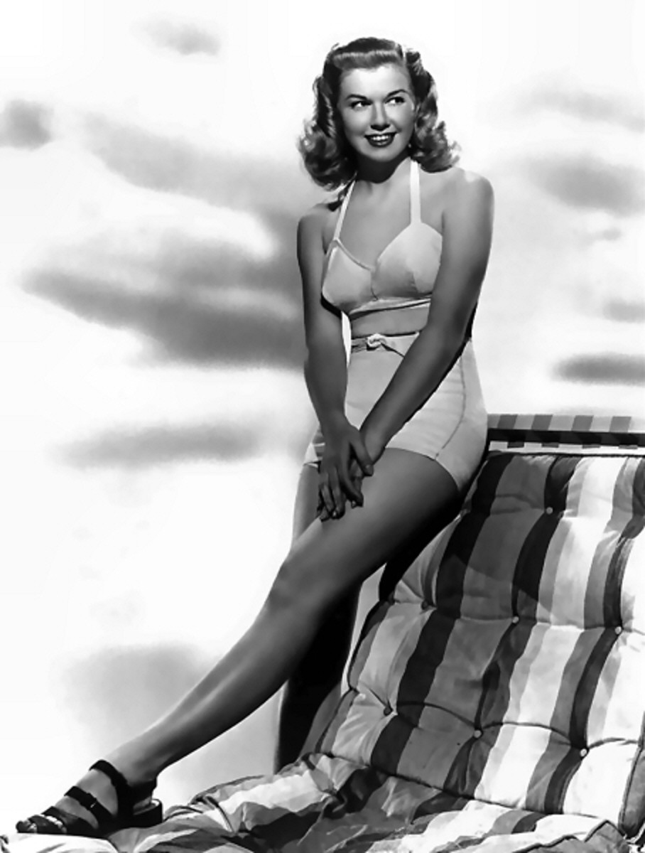 A very young Doris Day in a gorgeous two piece swimsuit circa late forties/early fifties