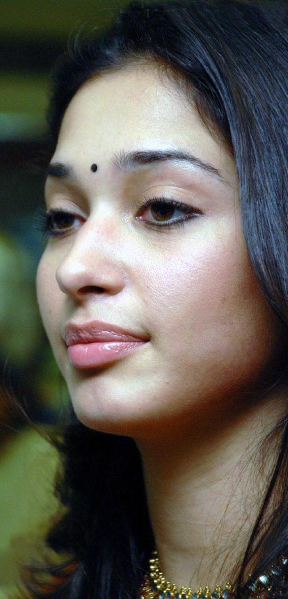 Tamanna Lips: South Indian Actress Tamanna Bhatia Details And Stills