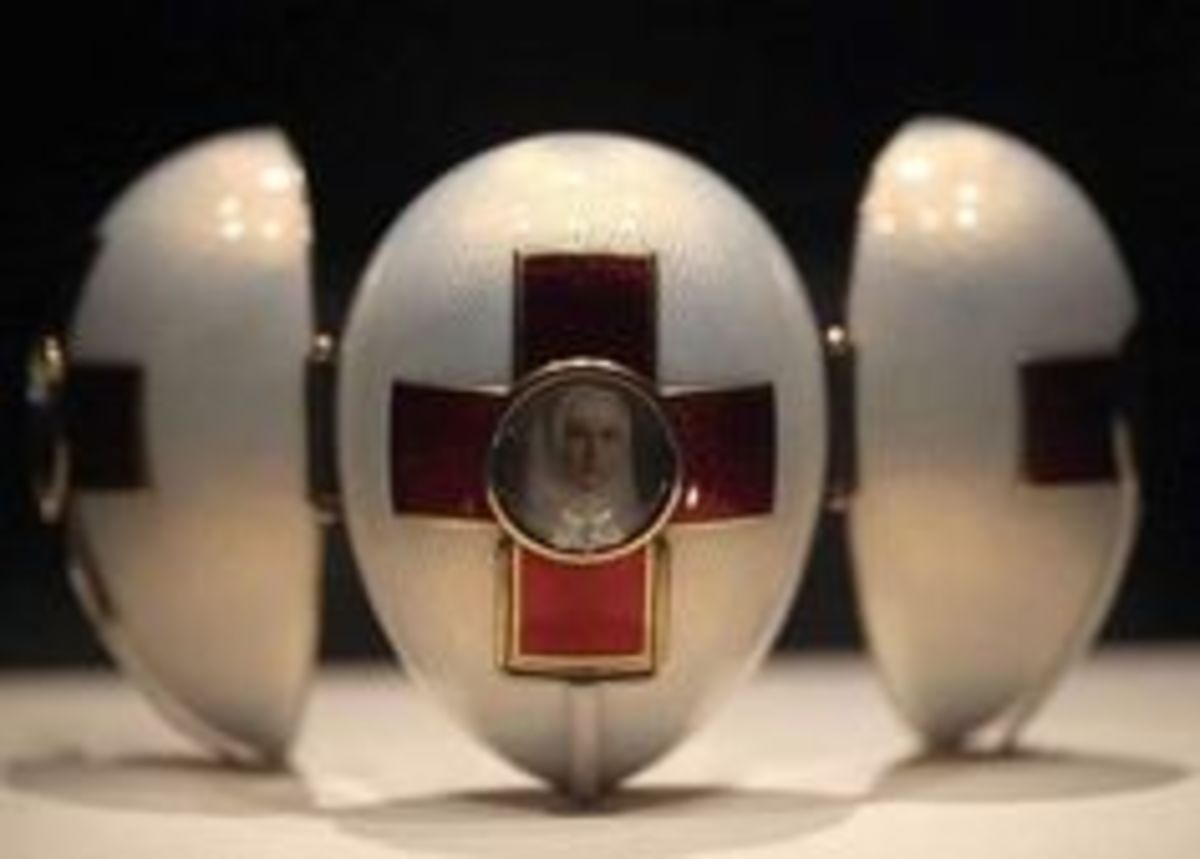 Red Cross with Triptych Egg (1915)