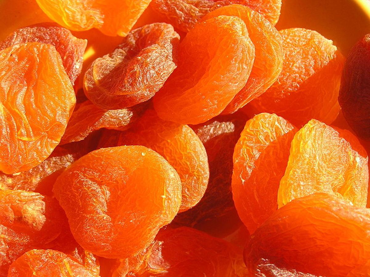 Sulfite Treated Apricots