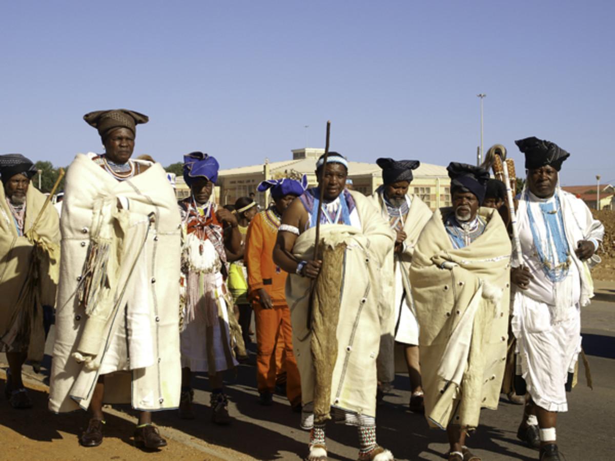 "Xhosa ""Chiefs"" about to enter 'Ubuntu' Educational Center"