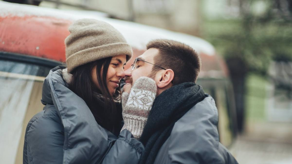 What numerous people expect a new relationship will be like