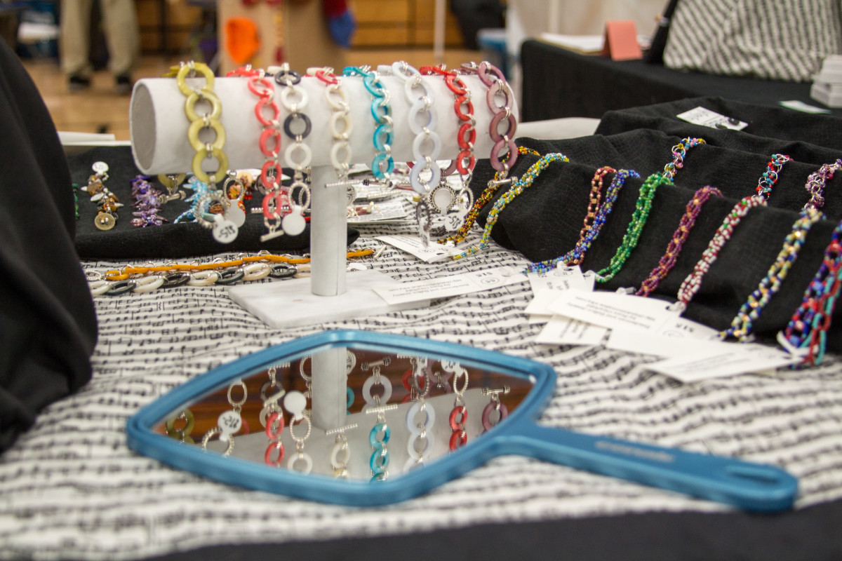 craft-fairs-what-to-bring-and-display-considerations