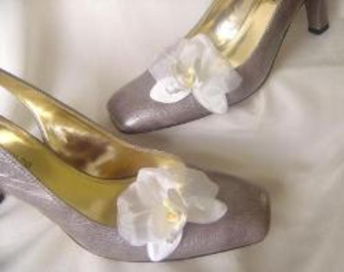 how-to-make-flower-shoe-clips