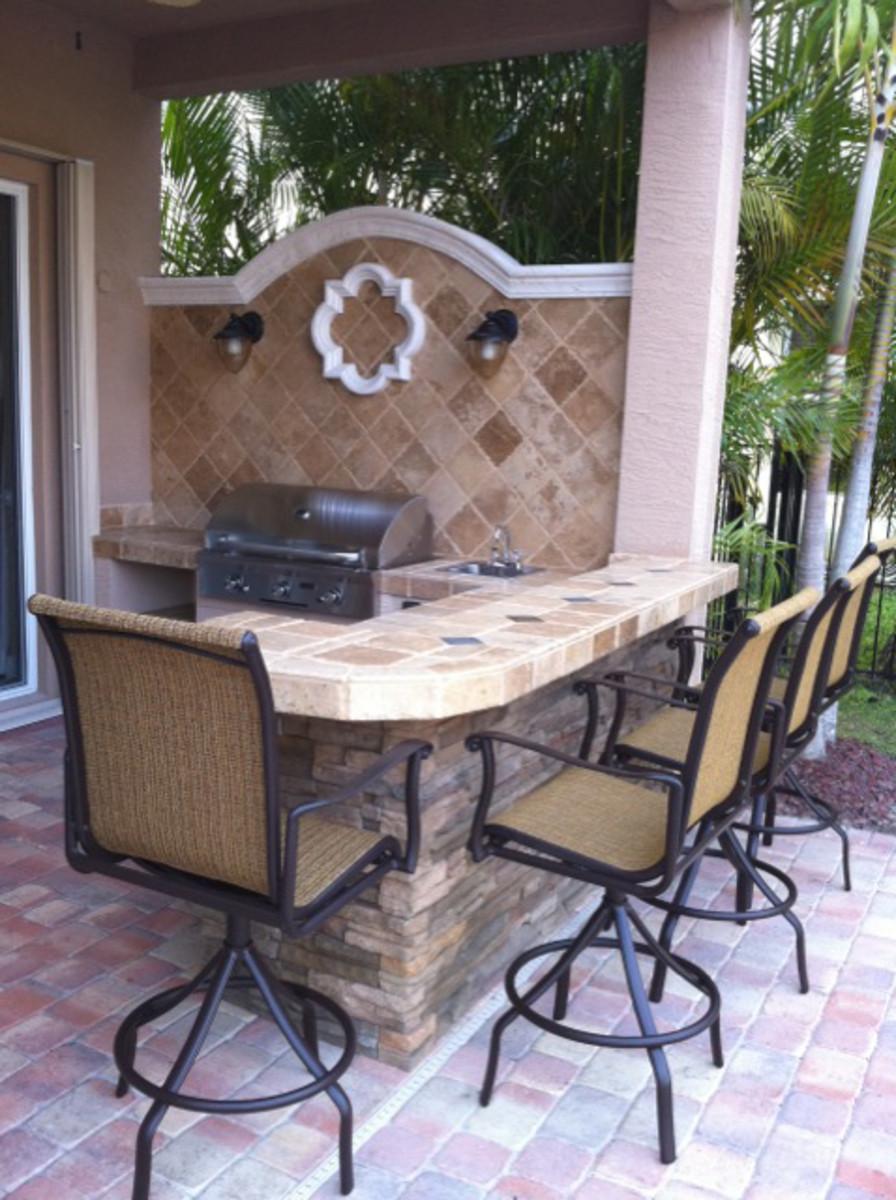 Custom outdoor kitchen and bar top in boynton beach, florida.