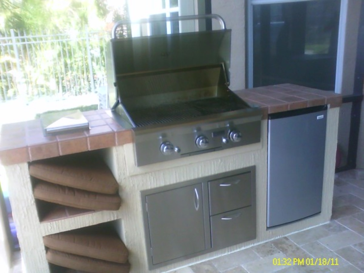 American Outdoor Grill built in to custom grill island in florida.