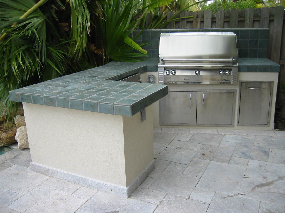 Custom grill island with a built in Alfresco infrared gas grill.