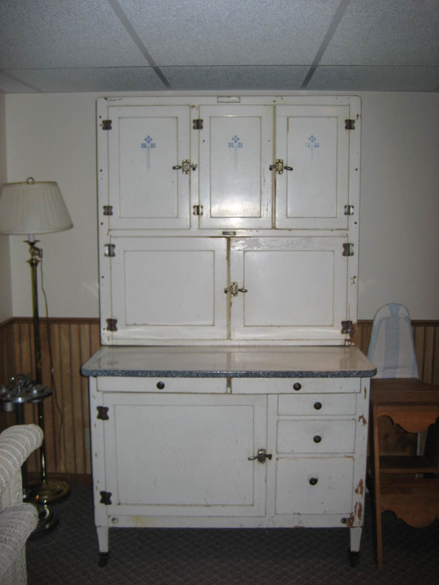 How to Identify a Hoosier Cabinet