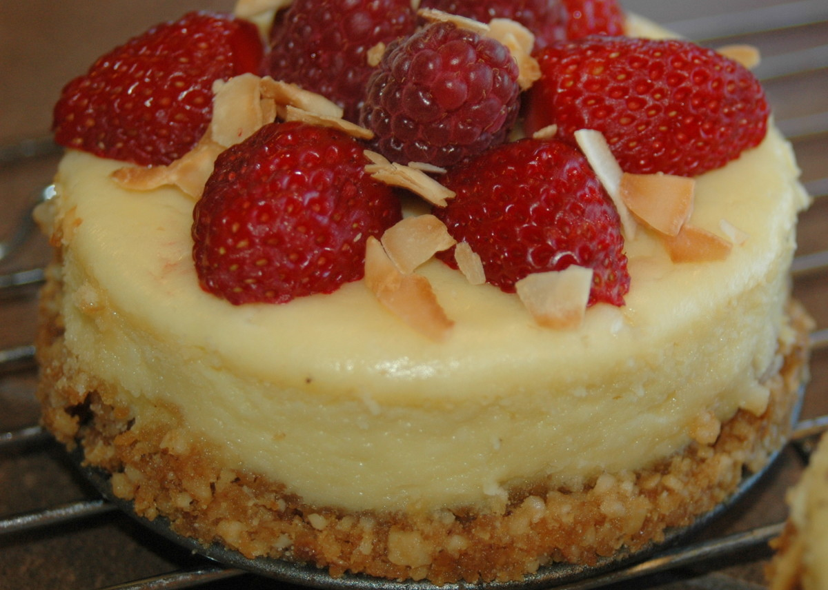 New York Cheesecake with raspberries and toasted coconut