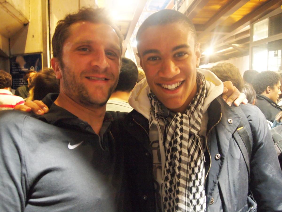 Damien, a gauche, avec son cousin Max, qui est champion des cent metres des sous 17 de L'Ile de France