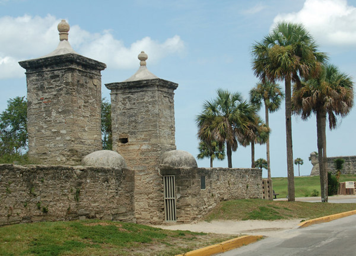 Augustine City Gates. Castillo de San Marcos stands to the right in the background.