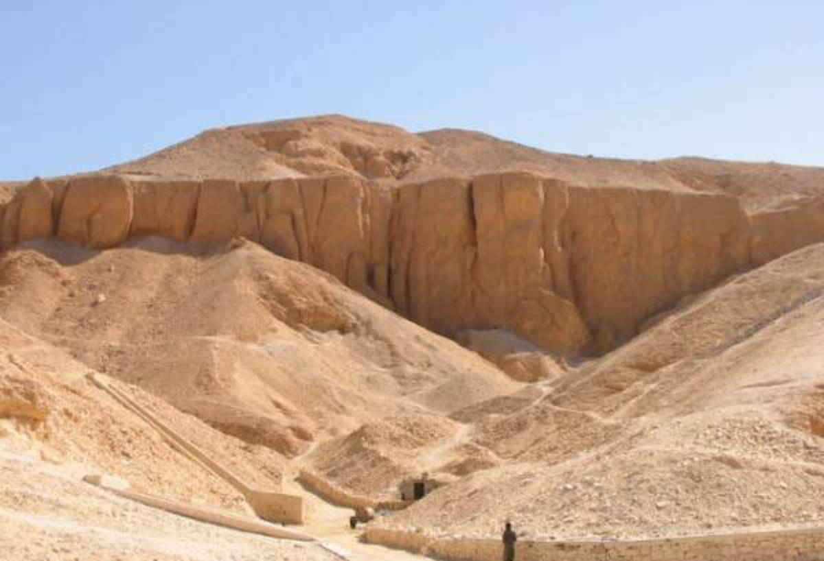 Valley of the Kings Armana Period Burial Site