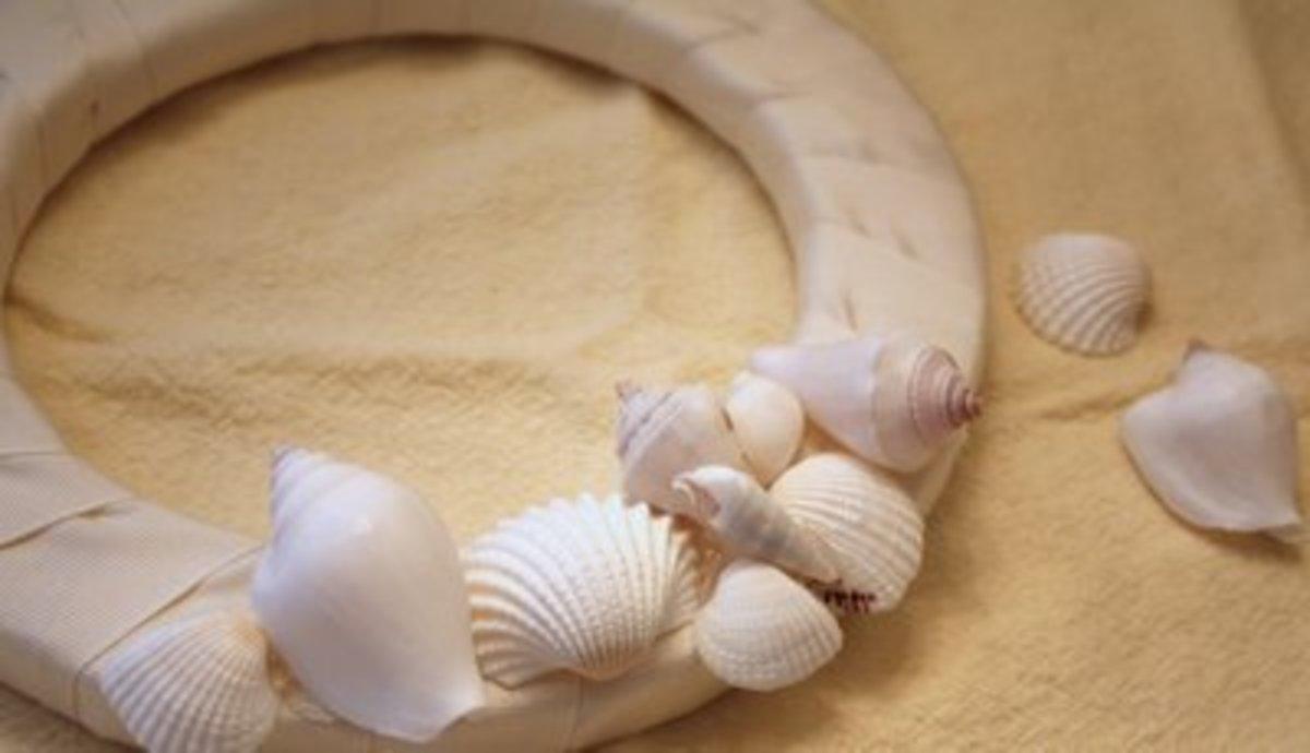 doing the seashell wreath 3.