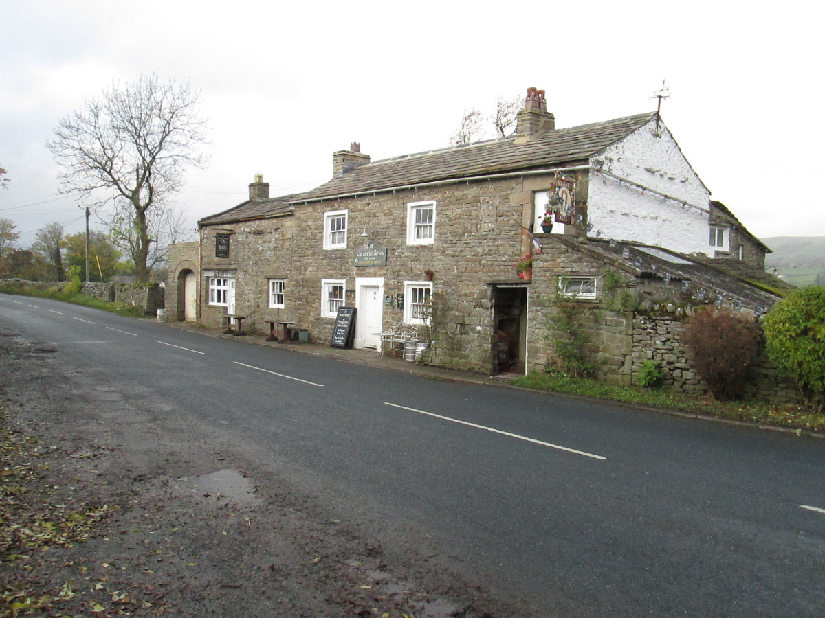 The Victoria Arms on the east side of Worton - the pub was closed when I took this picture on 4th November, 2015 - wherein you'll find a wealth of memorabilia and oddities on walls and ceiling