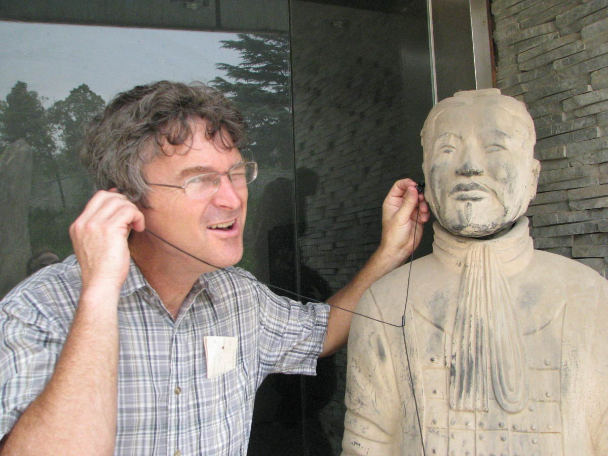 Having fun with the Terracotta Warrior!