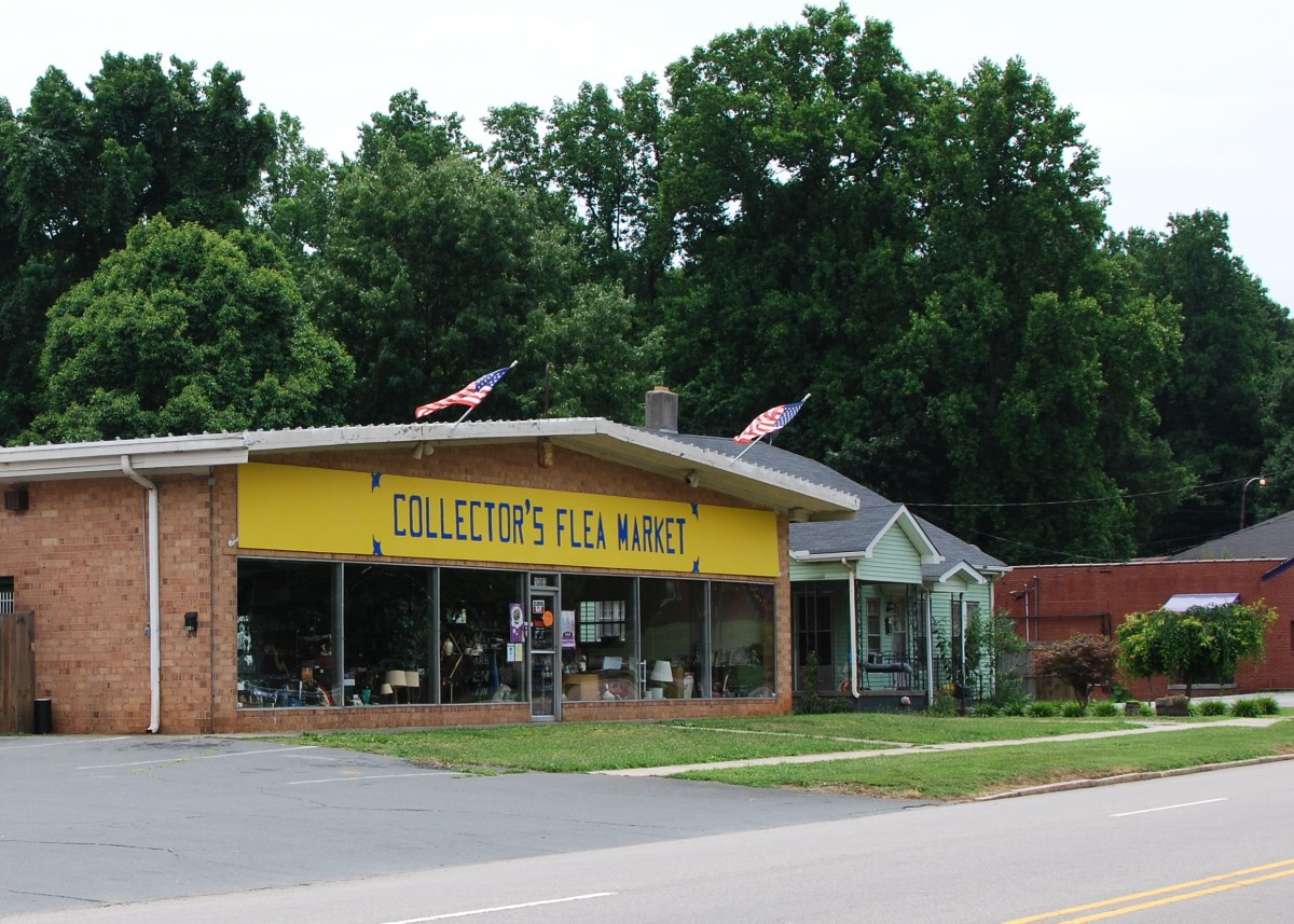 This under roof flea market is in Spencer NC not far from the museum.
