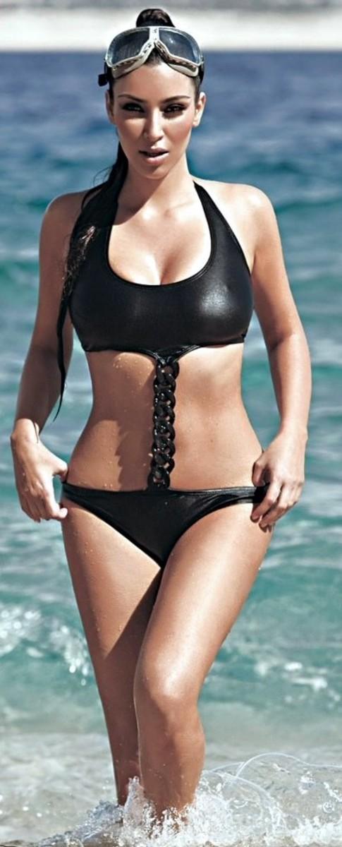 Kim Kardashian's black bikini ... err monokini?