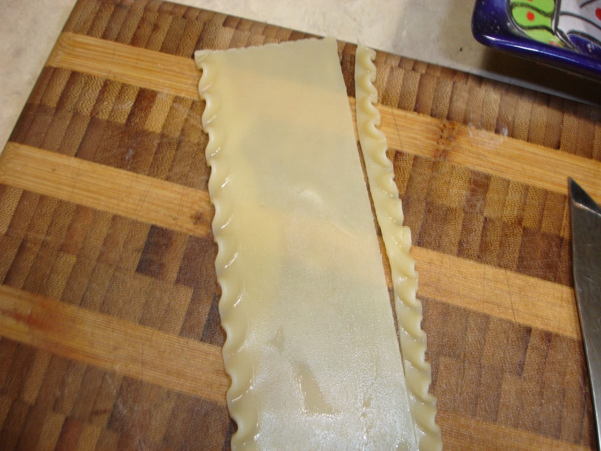 Cutting the lasagne noodle