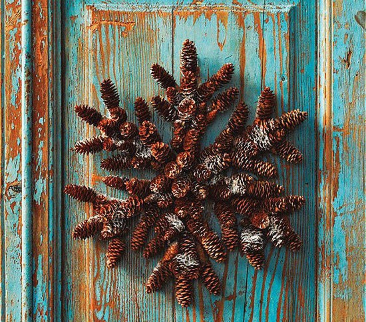 Unique, snowflake-shaped Christmas wreath, made from pine cones.