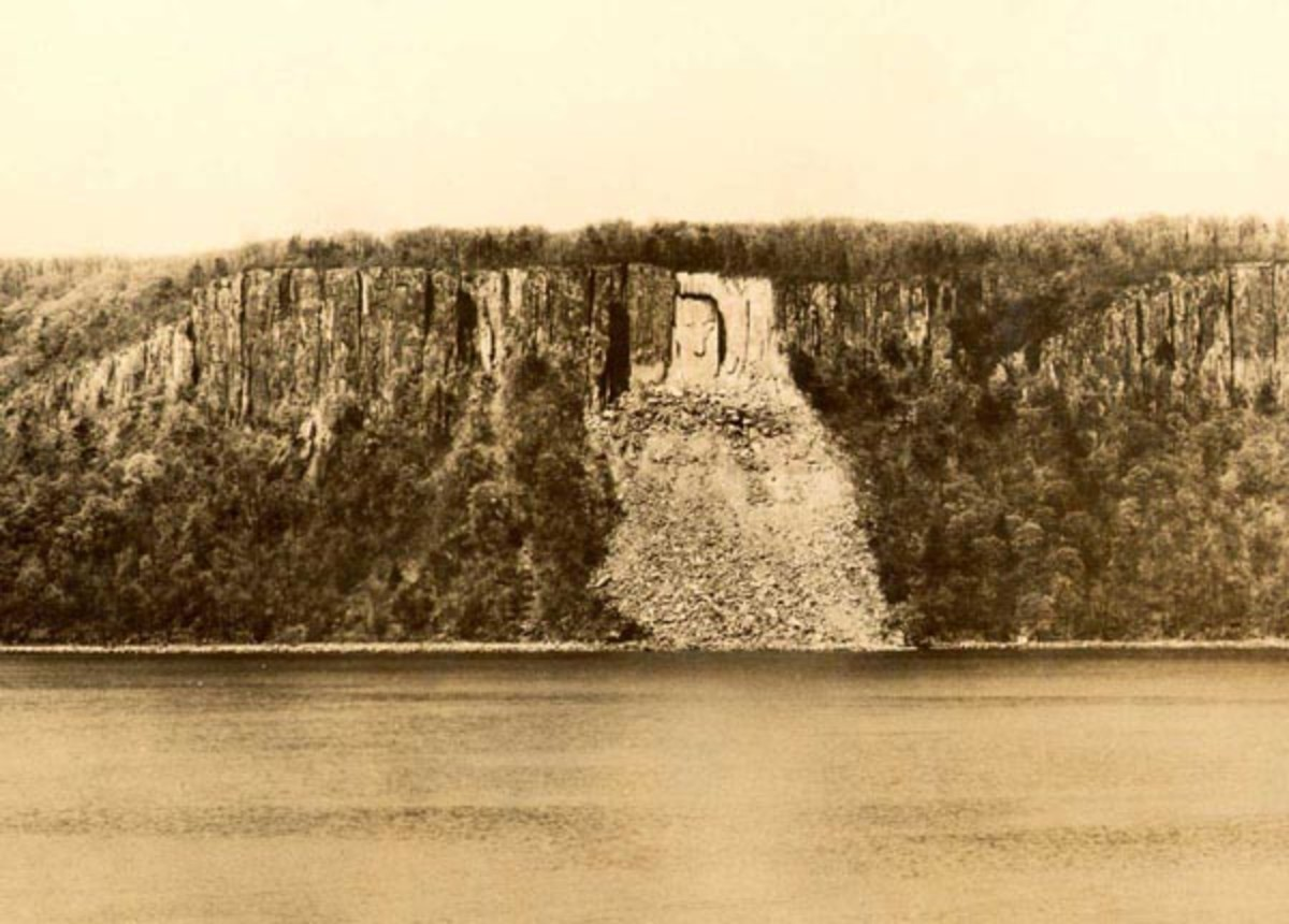 "The ""Hitler"" face, c. 1941 as seen from the Hudson River on the Palisades of New Jersey. See upper left side of rockslide. Another rockslide obliterated the face after WW II. (Photo by the Yonkers Ferry Corporation)."