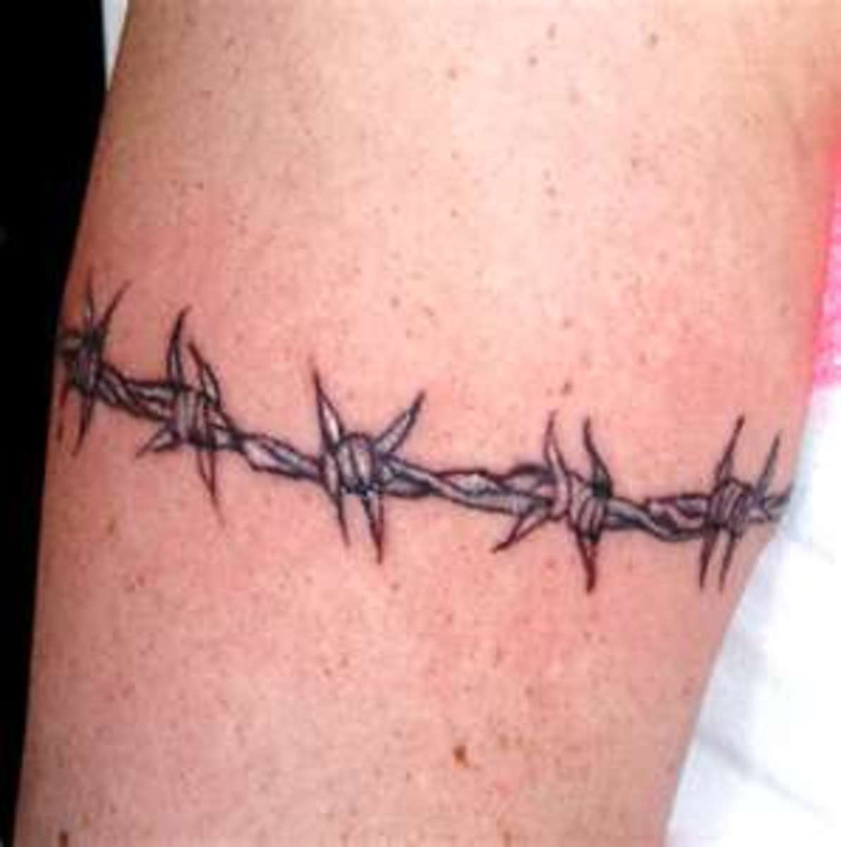 Barbed Wire, Razor Tattoos