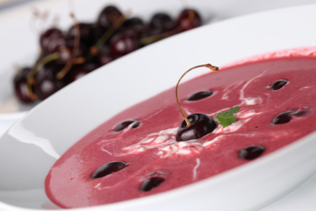 Sour cherry soup with sour cream. Image:  IngridHS|Shutterstock.com