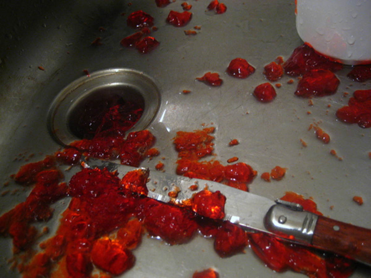 Use Strawberry Jelly as Gore in the Sink