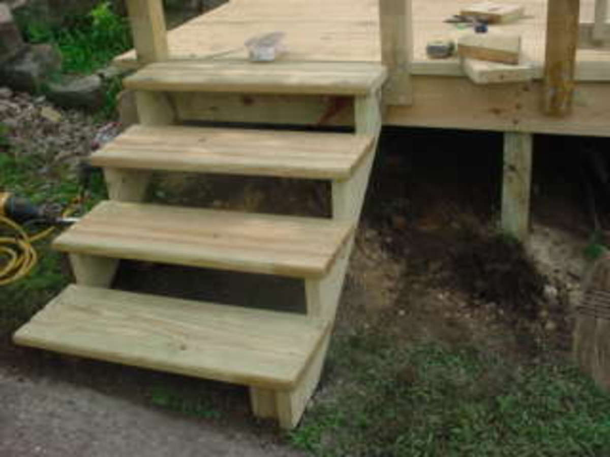 How to build an Above Ground Pool Deck Steps Part 2 of 3