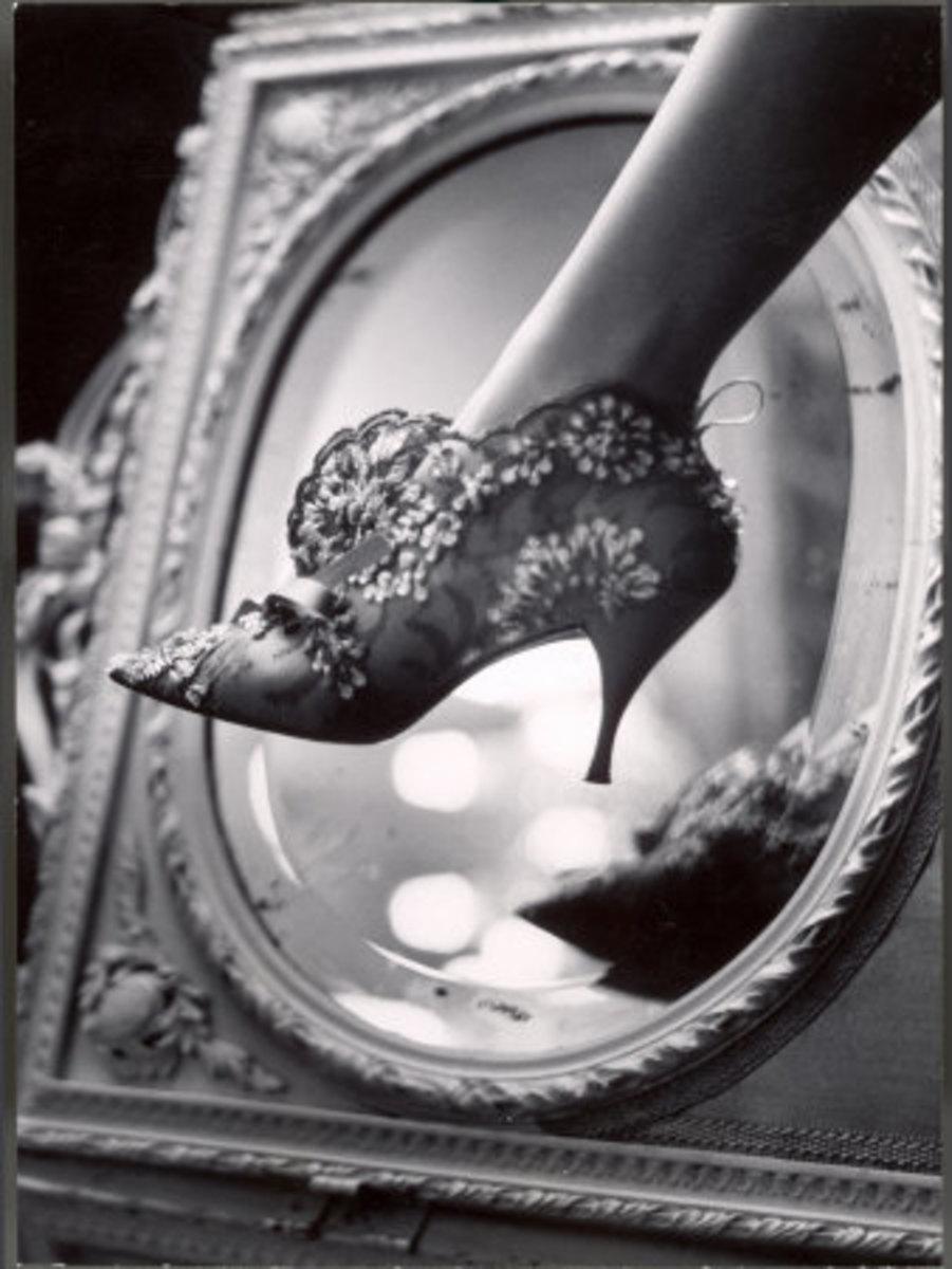 Woman's Shoe Boot