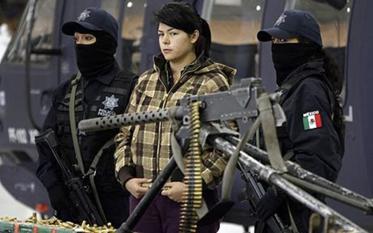women-street-gangs-in-mexico-as-drug-lords-use-female-warriors