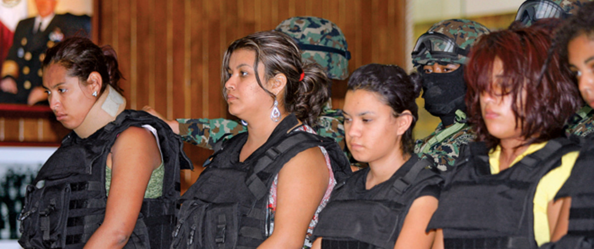 Women Street Gangs In Mexico as Drug Lords use Female Warriors