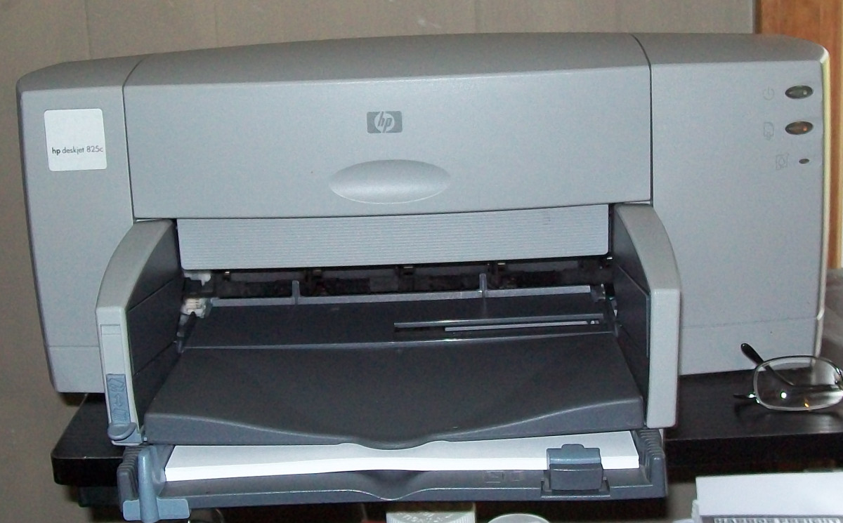 An HP Deskjet 825c that I bought off Craigslist to use with my Windows 7 PC
