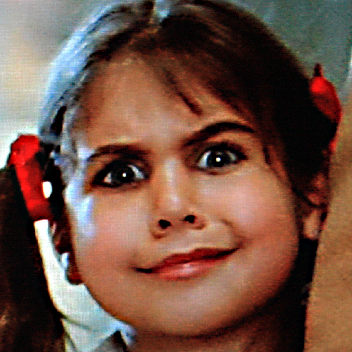 Not really relevant to the film's plot, but just one of the curious onlookers at the train station was this little girl with possibly the most intense stare in movie history (but is it really cute or is it really evil - you decide)