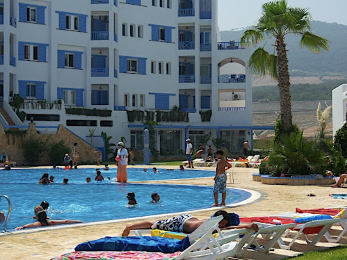Apartment complexes with pools are great for families