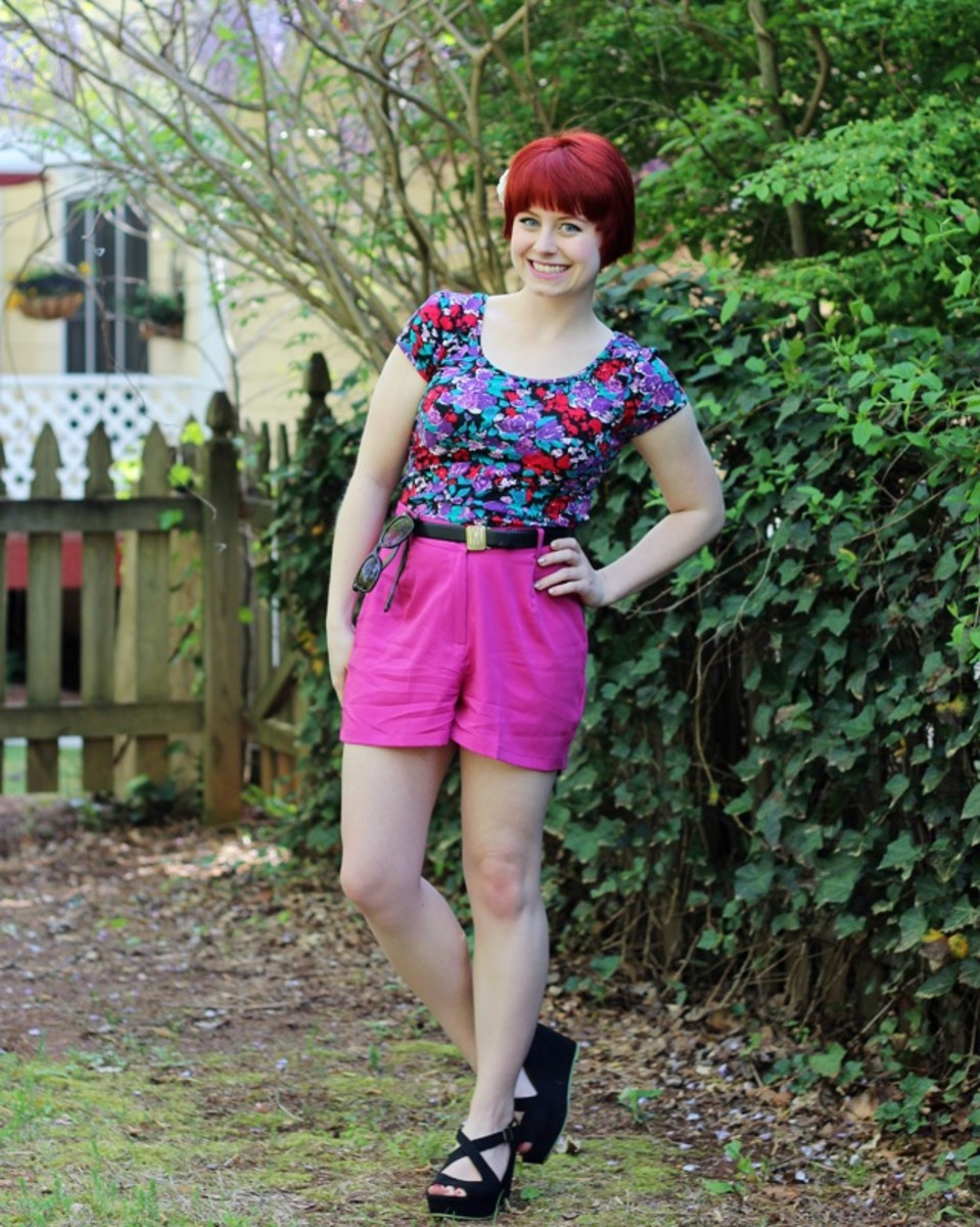 What to wear with high waisted shorts