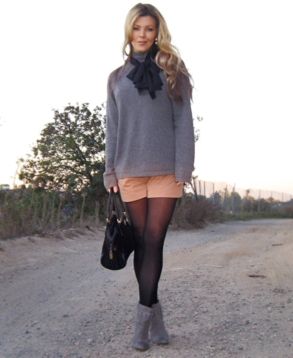 How to wear high waisted shorts and tights