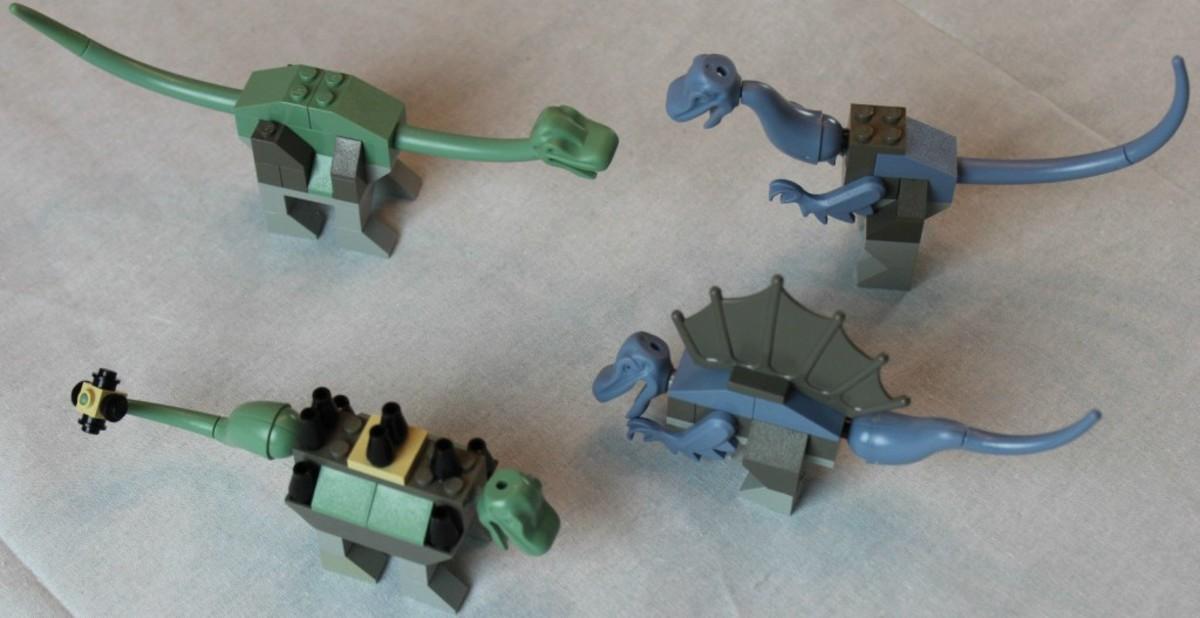 LEGO Dinosaurs Kit K7000 Assembled