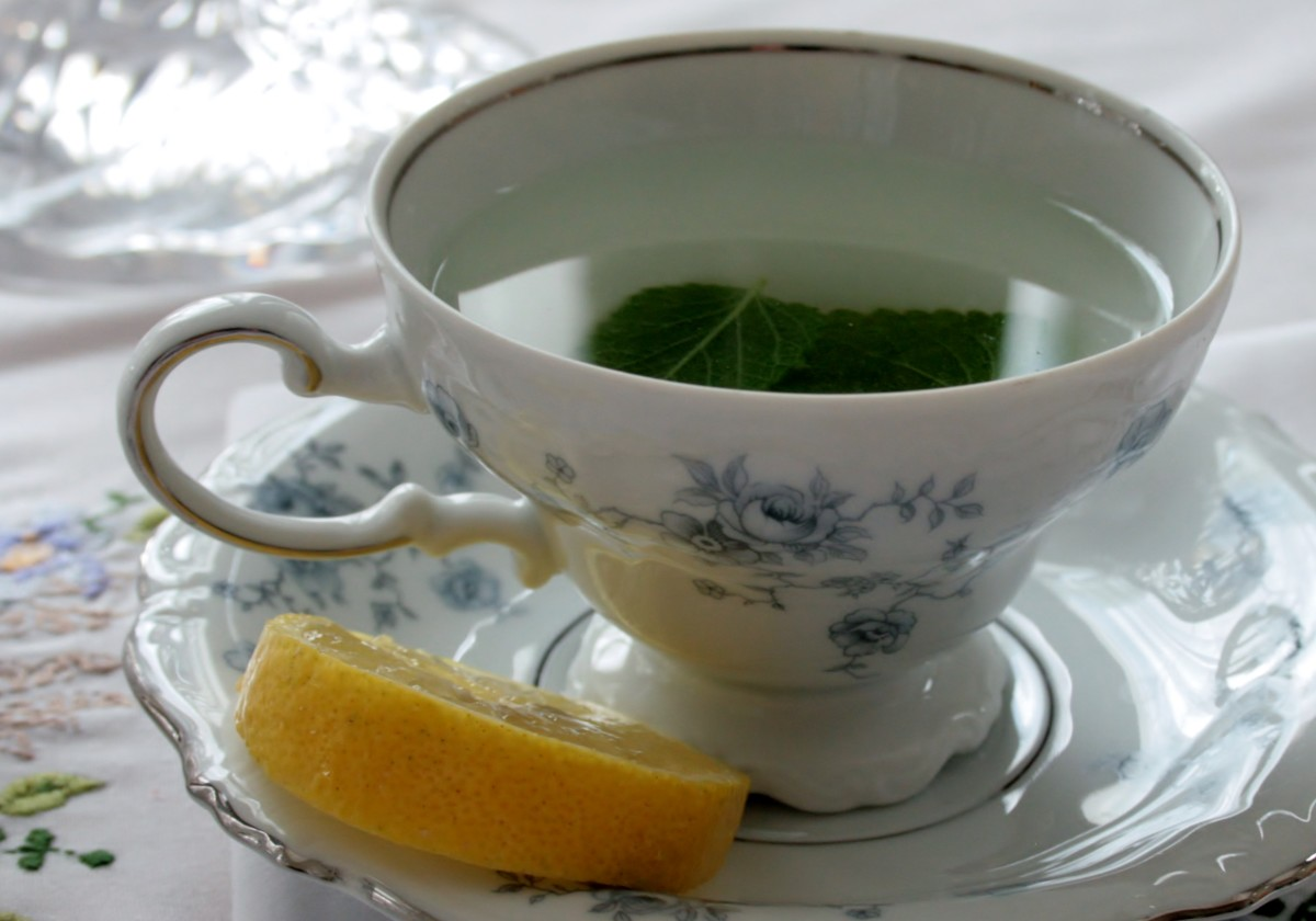 Fresh Lemon Balm Tea