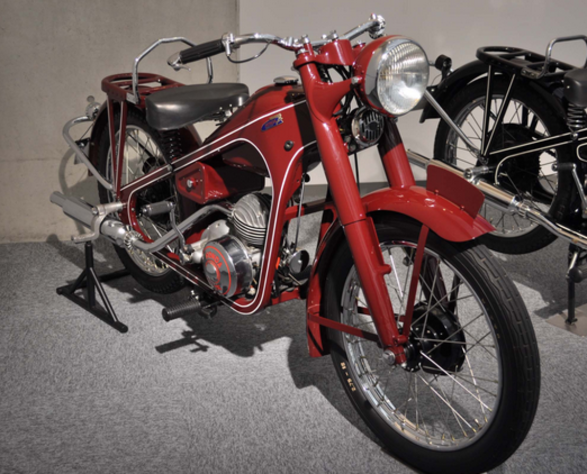 Honda Dream D of 1949.