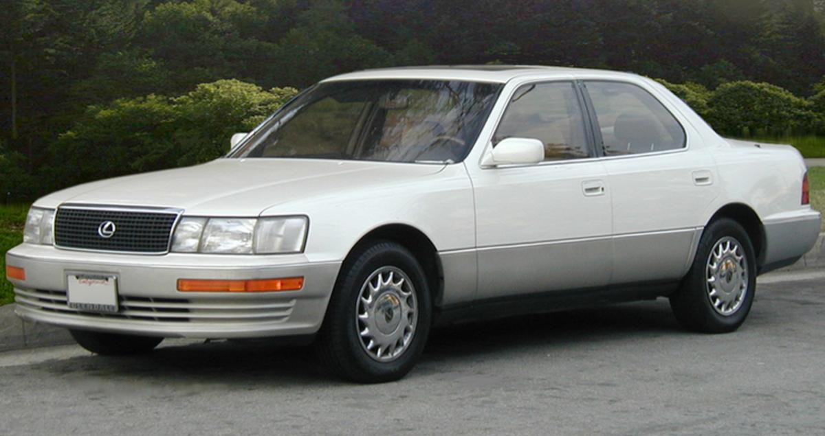 Lexus LS 400 of 1989.