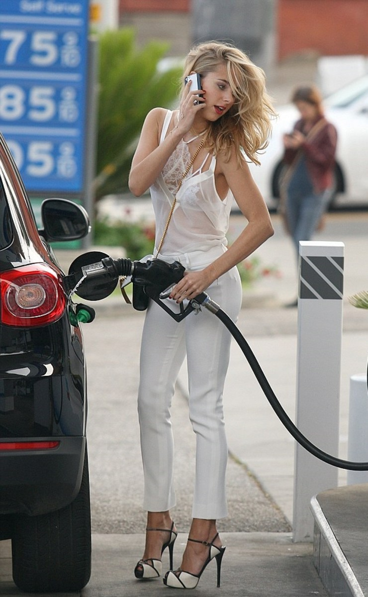 Kimberley Gardner disobeys the rule by receiving call in a petrol station