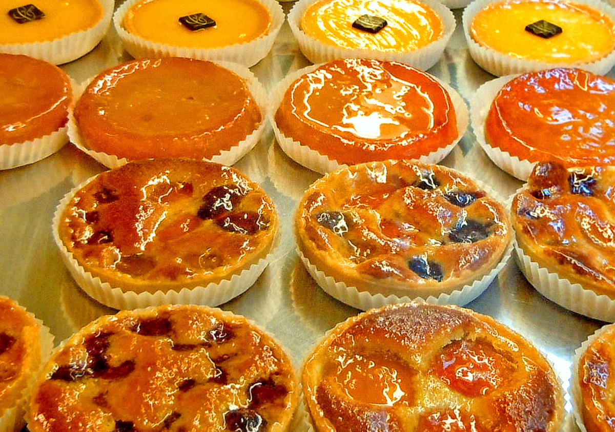 Tarts are typically filled with fruit or custard.
