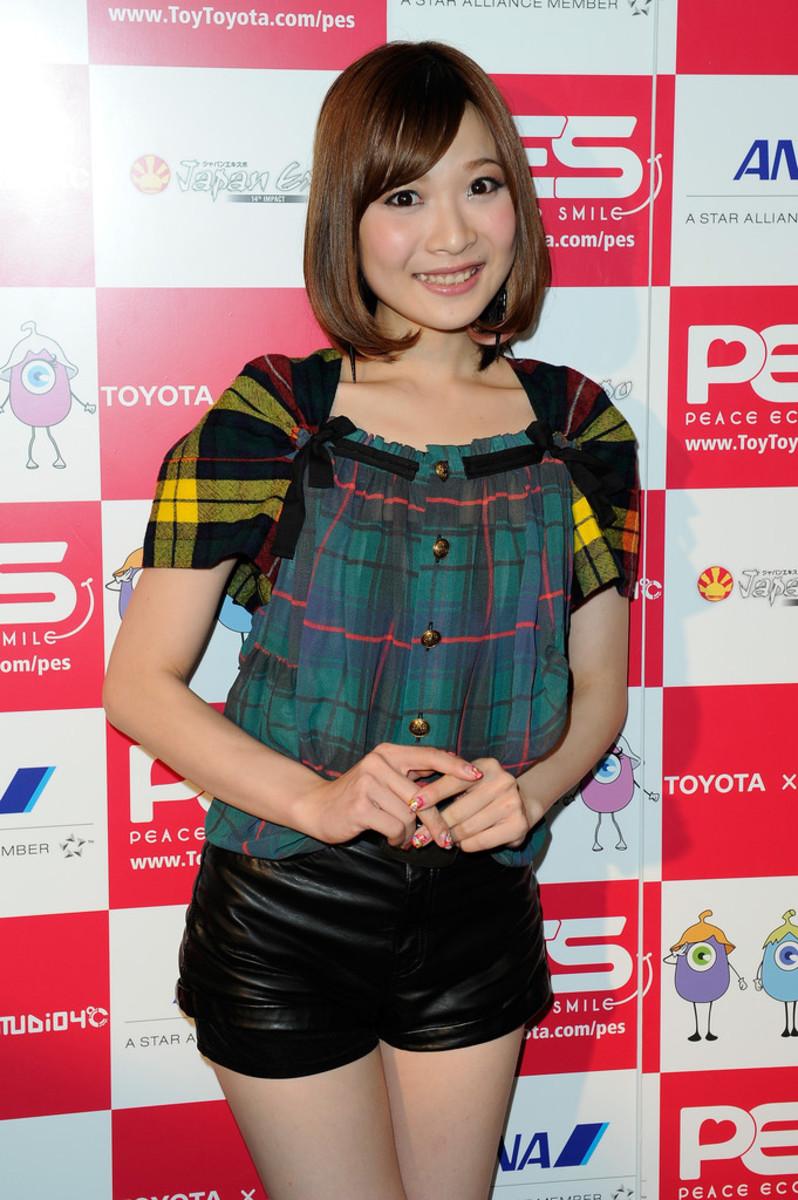 mayn-may-nakabayashi-japanese-pop-music-singer-from-nagoya-who-is-also-very-beautiful