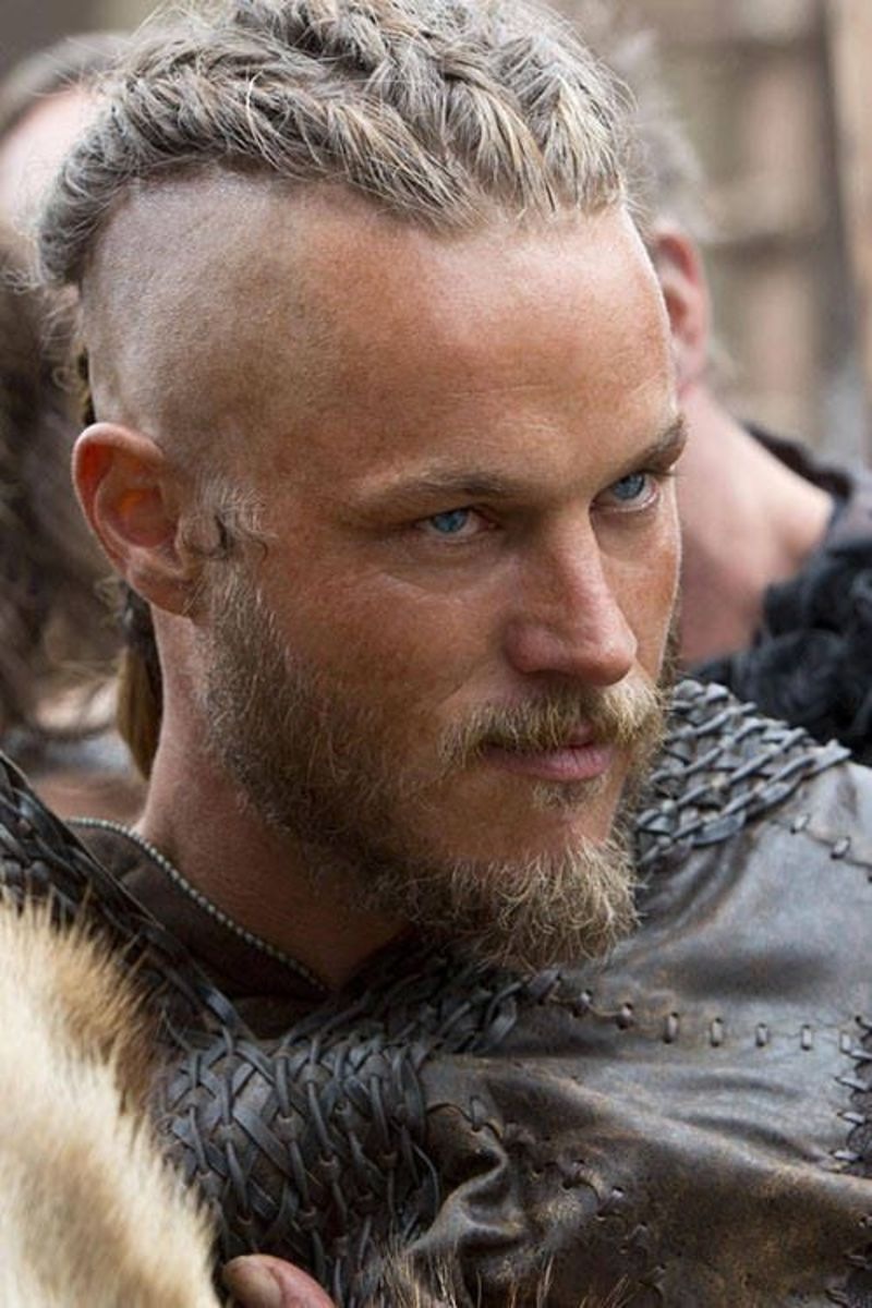 A young Ragnar, defined by his charms, Viking-cornrows, raw ambitions and adventurous spirit